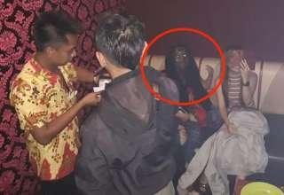 fantasma vampirico indonesia 320x220 - Escalofriante imagen muestra un fantasma vampírico durante una redada en un bar de Indonesia