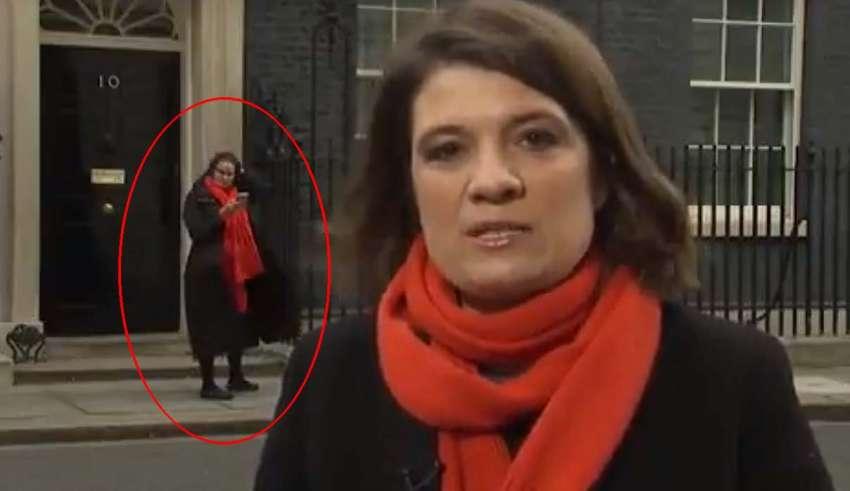doppelganger reportera 850x491 - Aparece el Doppelgänger de una reportera inglesa durante una retransmisión en directo