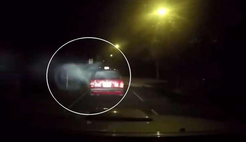 dashcam ataque demoniaco 850x491 - Una 'dashcam'graba el ataque demoníaco a un taxi en Hong Kong