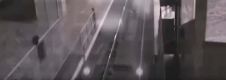 tren fantasma estacion china - Cámaras de seguridad graban el espeluznante momento en que un tren fantasma entra en una estación de China