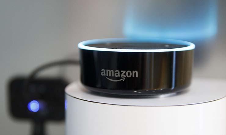 asistente voz amazon chemtrails - Alexa, el asistente de voz de Amazon,dice que los Chemtrails es una conspiración real de los gobiernos
