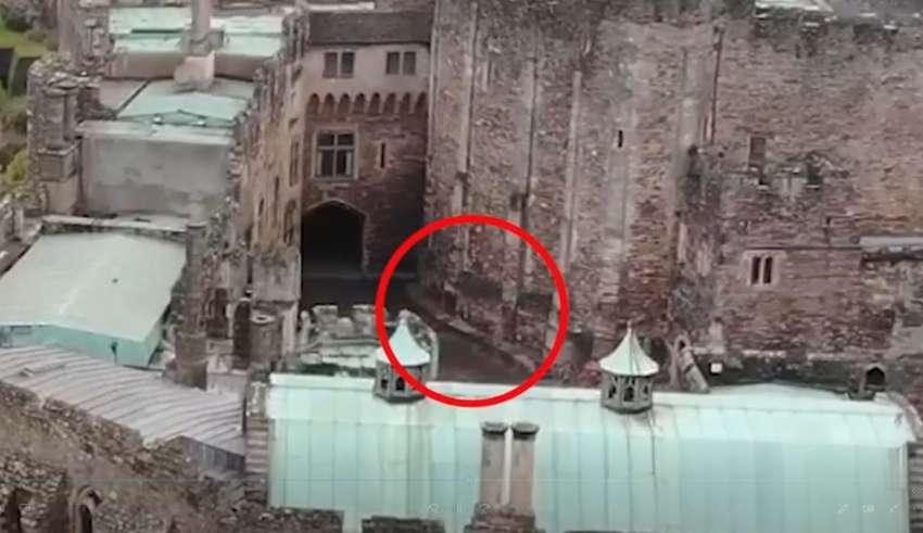 jinete espectral 850x491 - Un dron capta un jinete espectral galopando sobre un castillo del siglo XII