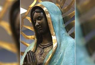 estatua virgen maria llora 320x220 - La Iglesia Católica investiga en Nuevo México una estatua de la Virgen María que llora lagrimas que huelen a rosas