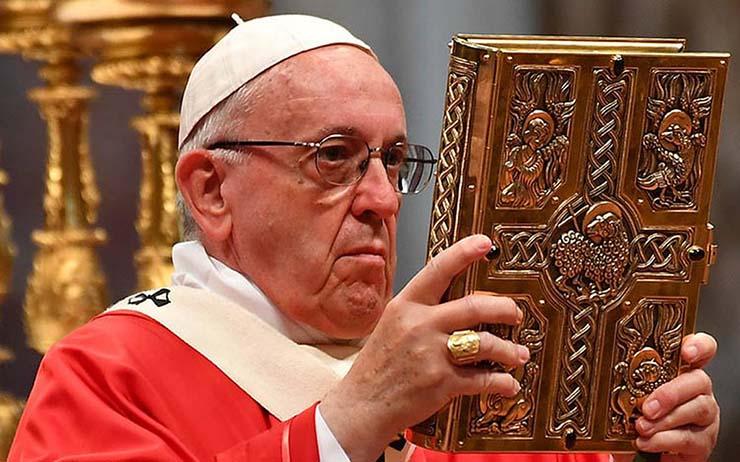 muerte papa maldicion - El Liverpool, la boda real y la muerte del Papa: ¿Se cumplirá la maldición sobre la final de la Champions?