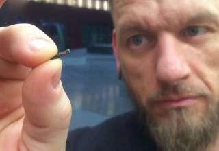 suecos microchips 320x220 - La Marca de la Bestia: Miles de suecos se implantan microchips bajo la piel