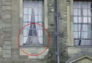 fantasma nina gitana 320x220 - Espeluznante imagen muestra el fantasma de una niña gitana que fue abusada sexualmente en un antiguo monasterio