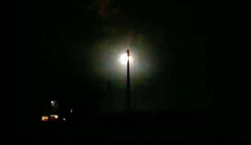 ovni kazajstan 850x491 - Cientos de personas ven cómo se estrella un enorme OVNI en Kazajstán