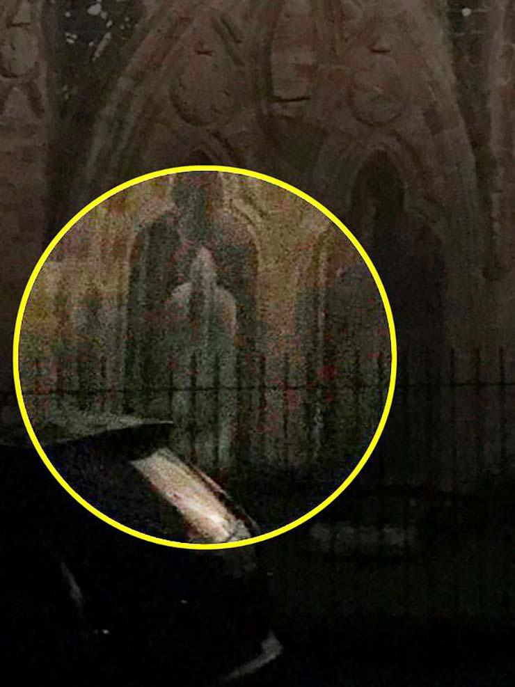 abadia fantasma monje - Una exploradora urbana visita una abadía del siglo XII y se encuentra con el fantasma de un monje