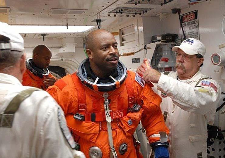 criatura extraterrestre en el espacio - Astronauta de la NASA afirma haber visto una criatura extraterrestre en el espacio