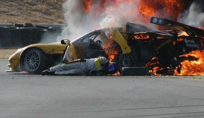 piloto nascar 850x491 - El pilotomás popular de NASCAR reconoce que un fantasma salvó su vida después de sufrir un accidente en una carrera