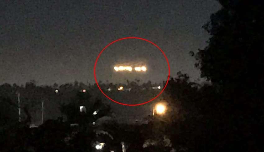 san diego luces 850x491 - Pánico en San Diego por la presencia de una misteriosa formación de luces en el cielo