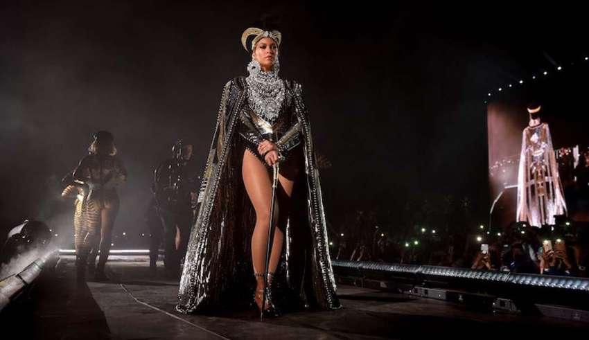 """beyonce brujeria 850x491 - Beyoncé demandada por """"brujería extrema"""" y """"magia oscura"""" por su exbatería"""