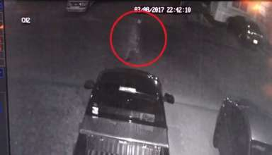 fantasma real camara seguridad 384x220 - Una familia estadounidenses obligada a mudarse después de ver una fantasma real a través de su cámara de seguridad