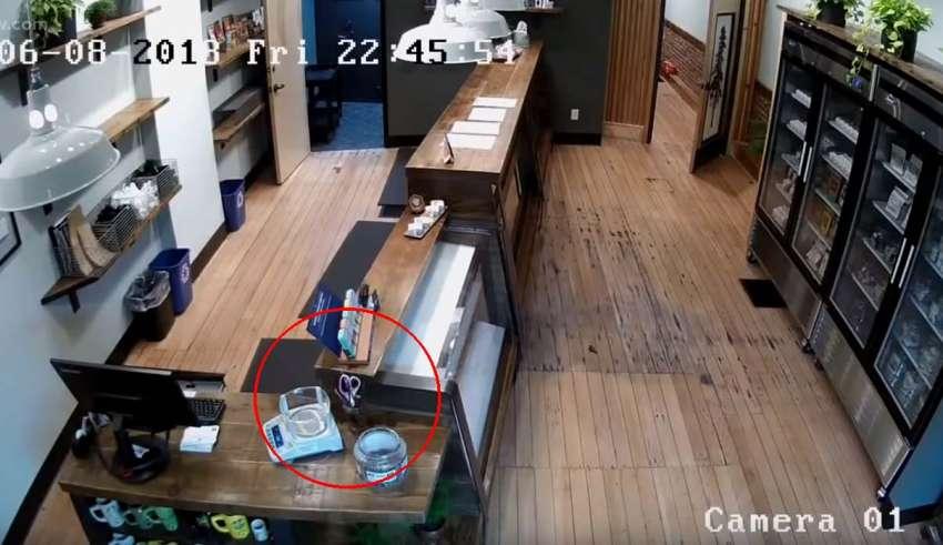 actividad paranormal tienda marihuana 850x491 - Cámaras de seguridad captan actividad paranormal en una tienda de marihuana de Oregón