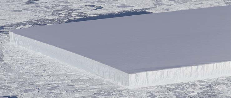nasa misterioso iceberg - La NASA publica la imagen de un misterioso iceberg perfectamente rectangular