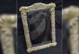 espejo capitan titanic 320x220 - Subastan el espejo poseído por el fantasma del capitán del Titanic