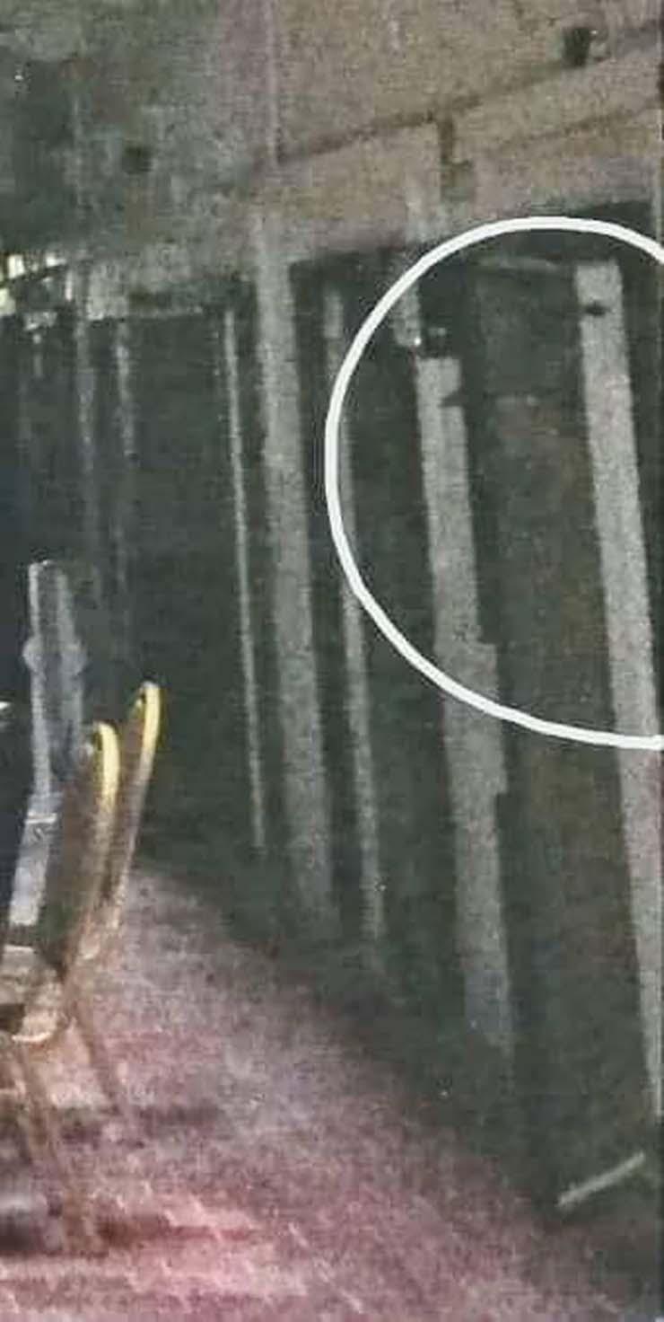 fantasma carcel irlandesa - Una mujer fotografía el fantasma de un vigilante en una antigua cárcel irlandesa