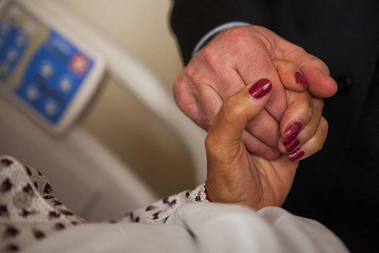 nuestros seres queridos fallecidos muerte - Médico demuestra que nuestros seres queridos fallecidos nos esperan en el momento de nuestra muerte