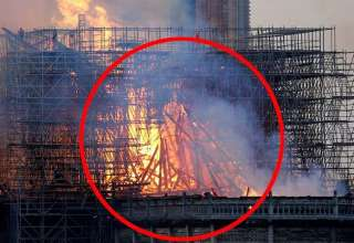 aparicion jesus notre dame 320x220 - Una imagen muestra la aparición de Jesús durante el incendio de Notre Dame