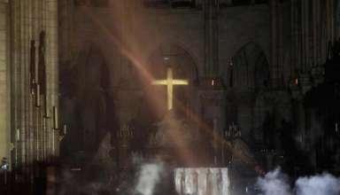 profecias catedral notre dame 384x220 - Se cumplen TODAS las profecías: Un gran incendio destruye la catedral de Notre Dame