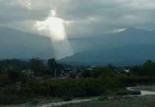 figura jesus argentina 320x220 - La aparición de una figura de Jesús en el cielo provoca el pánico en Argentina