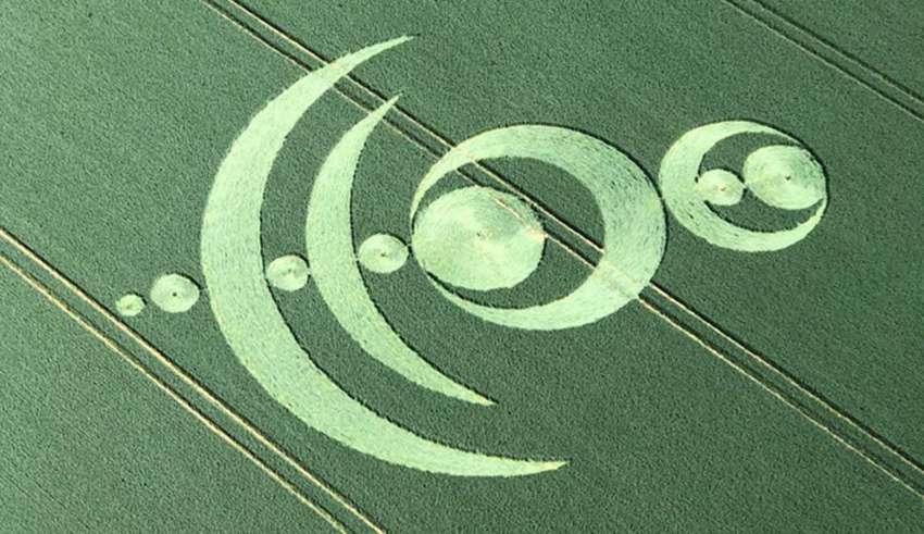 circulo en los cultivos francia 850x491 - Aparece un extraño y complejo círculo en los cultivos en Francia que anuncia el inminente Apocalipsis