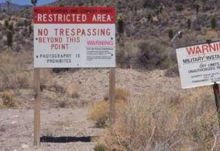 bob lazar area 51 320x220 - Bob Lazar advierte que podría haber una matanza si la gente asalta el Área 51 en septiembre