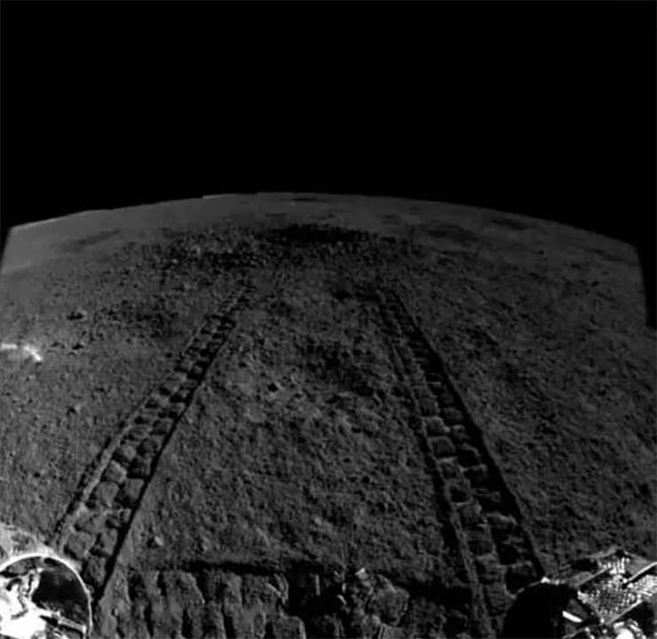 sustancia extraterrestre - El rover lunar chino descubre una misteriosa sustancia extraterrestre en la cara oculta de la Luna