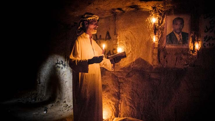 ataques de fantasmas cementerio - Enterradores denuncian ataques de fantasmas en el cementerio más grande del mundo