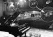 fantasma mujer teatro 104x74 - Conocido pianista estadounidense fotografía el fantasma de una mujer en un teatro