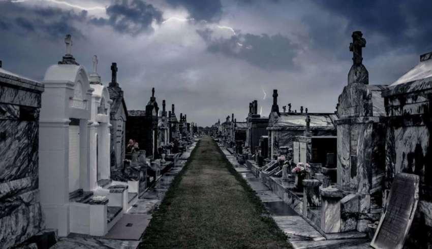 fantasmas cementerio 850x491 - Enterradores denuncian ataques de fantasmas en el cementerio más grande del mundo