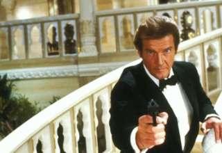hija roger moore james bond 320x220 - La hija de Roger Moore dice que el mítico actor de James Bond le envía mensajes desde el más allá