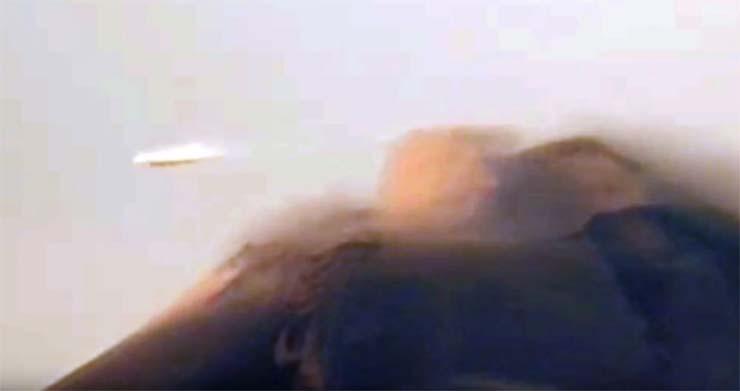ovni volcan popocatepetl - Una cámara registra un OVNI en forma de disco volando sobre el volcán Popocatépetl