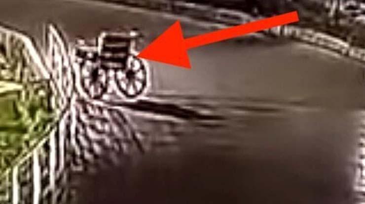 silla de ruedas embrujada - Cámaras de seguridad muestran una silla de ruedas embrujada moviéndose sola en un hospital de la India