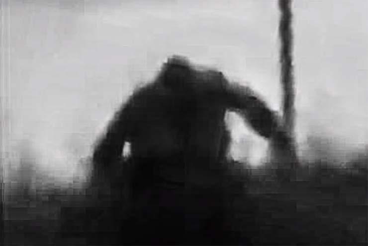 cientificos mitica criatura rusia - Científicos investigan un video que muestra a una mítica criatura persiguiendo un coche en Rusia