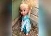 muneca poseida 104x74 - Una familia aterrorizada por una muñeca poseída, la tiran y regresa a casa