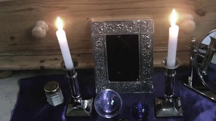 contactar espiritus espejo - Cómo contactar con los espíritus con un espejo