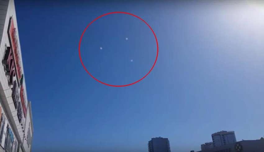 ovni triangular siberia 850x491 - Científicos no pueden explicar el avistamiento de un OVNI triangular sobre Siberia
