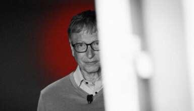 bill gates controlar a la poblacion 384x220 - El mundo se rebela contra Bill Gates y su plan de controlar a la población mediante la vacunación