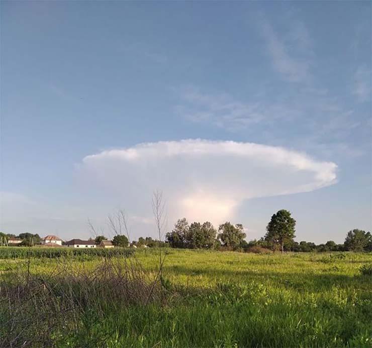 hongo nuclear cerca chernobil - Detectan una nube radioactiva en Europa días después de la aparición de un 'hongo nuclear' cerca de Chernóbil