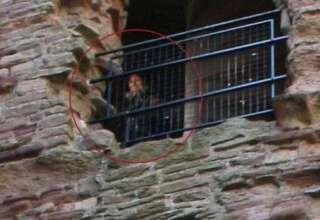 fantasma castillo escoces 320x220 - La foto de un fantasma en un castillo escocés continúa sin explicación más de 10 años después