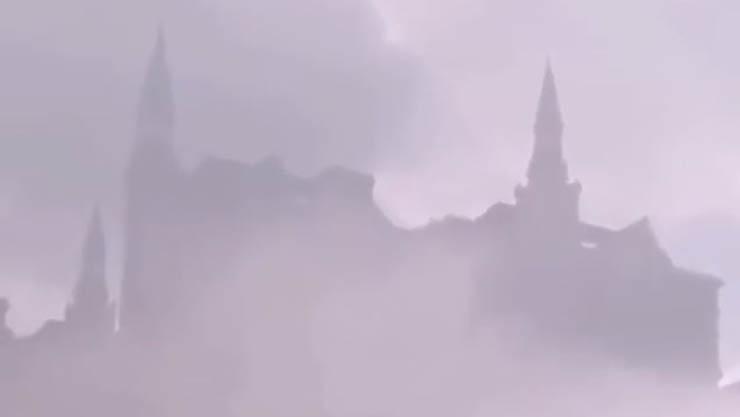 castillo flotante china - Graban el increíble momento en que un enorme 'castillo flotante' aparece sobre una ciudad china