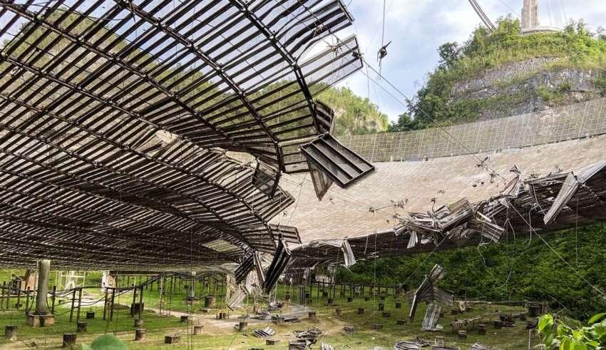 observatório de OVNIs de arecibo 850x491 - Um acidente misterioso torna o Observatório de Arecibo inutilizável dias antes de um enorme OVNI passar muito perto da Terra
