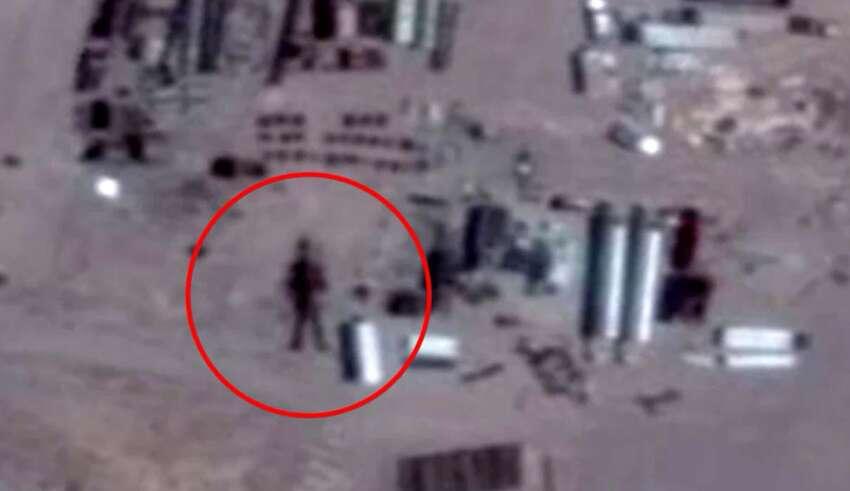robot area 51 850x491 - Descubren un robot extraterrestre de 16 metros de altura en el Área 51