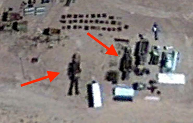 robot extraterrestre en area 51 - Descubren un robot extraterrestre de 16 metros de altura en el Área 51