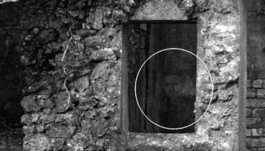 rostro fantasmal ruinas escocesas 384x220 - Un fotógrafo capta un rostro fantasmal en unas antiguas ruinas escocesas