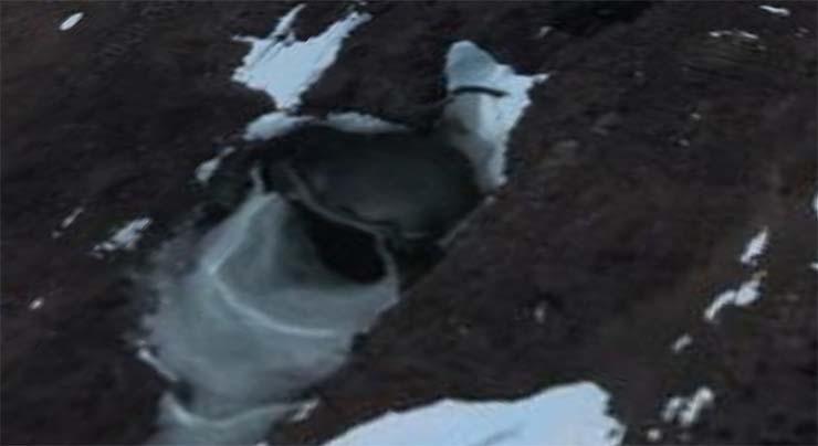 base antartida - Imagen de satélite muestra la entrada a una base nazi o extraterrestre en la Antártida