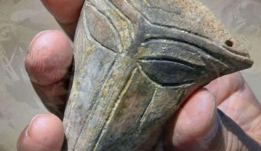 mascara extraterrestre 850x491 - Arqueólogos hallan una máscara extraterrestre de hace 6.000 años en Bulgaria