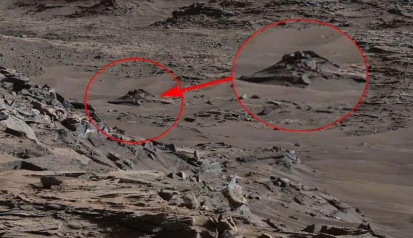 ovni estrellado en marte 850x491 - Imagen de la NASA muestra un OVNI estrellado en Marte