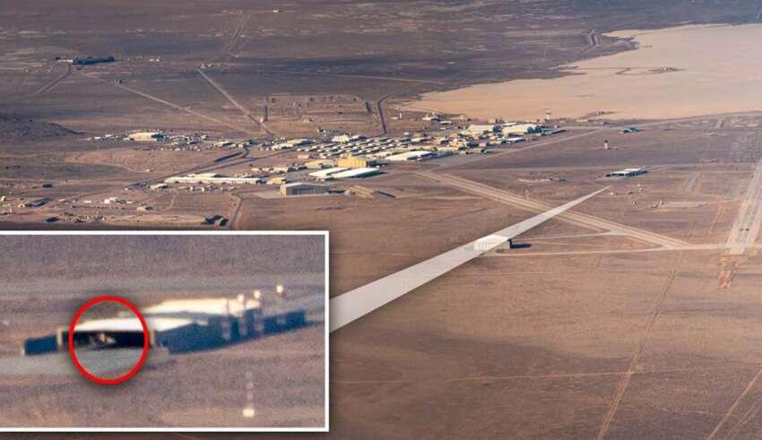ovni triangular area 51 850x491 - Un piloto fotografía un OVNI triangular en el Área 51